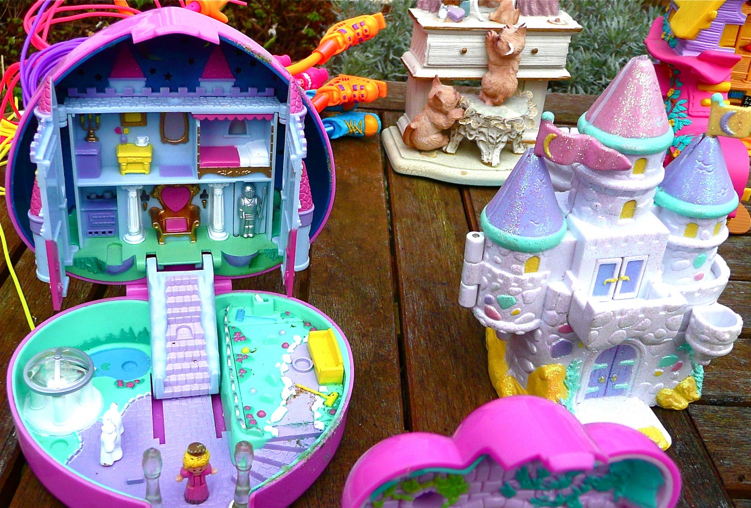 Polly Pockets!