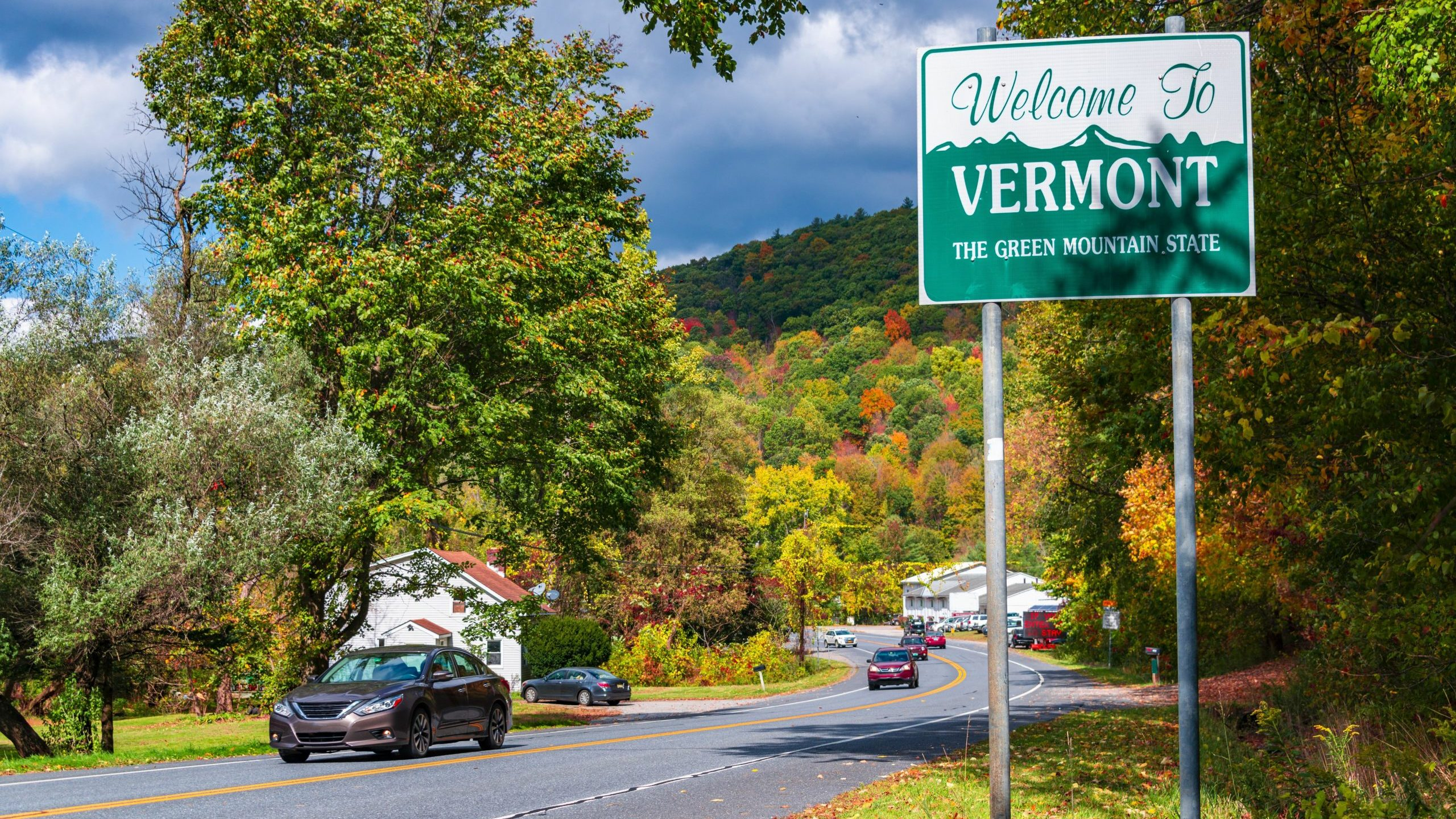 Welcome to Vermont state sign on road